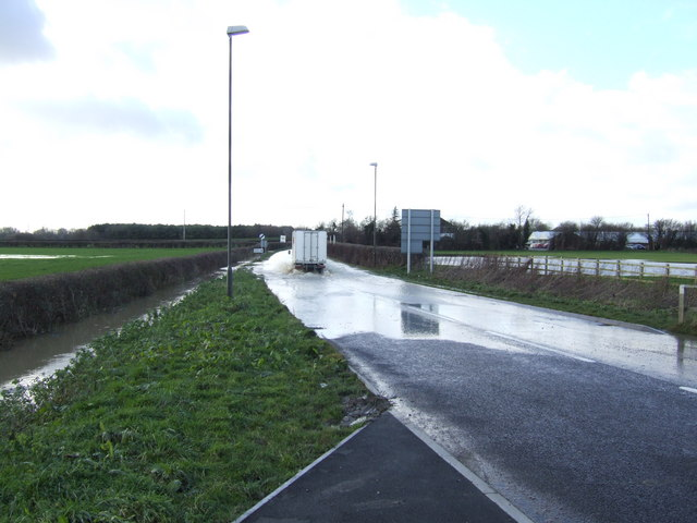 Flooded A417 west of Lechlade