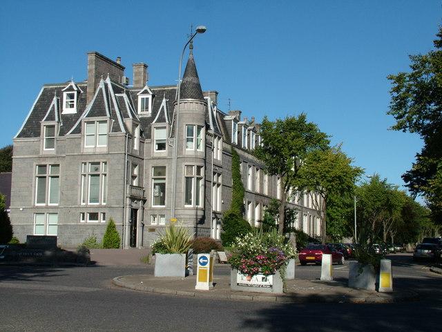 Queen's Gate, Aberdeen