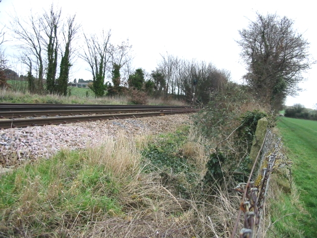 Looking E along the railway line near Sevenscore.