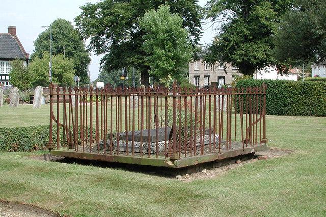 St Mary, Attleborough, Norfolk - Churchyard
