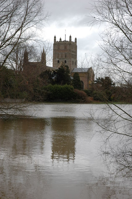 Tewkesbury Abbey surrounded by flooding