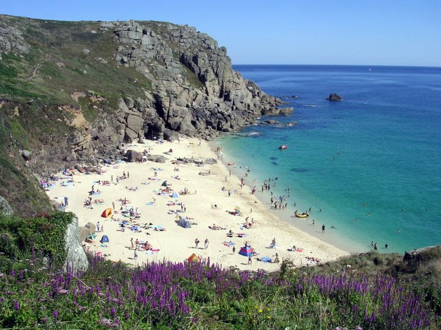 Porth Chapel beach in summer