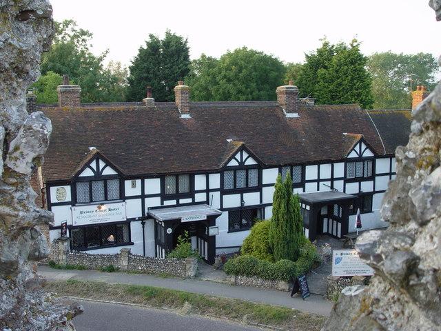Priory Court Hotel Originally 3 Almshouses Built 1640