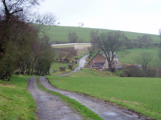 Approaching Boced Farm