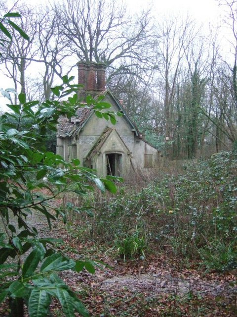 Disused Gatehouse at Baynard's Park Estate