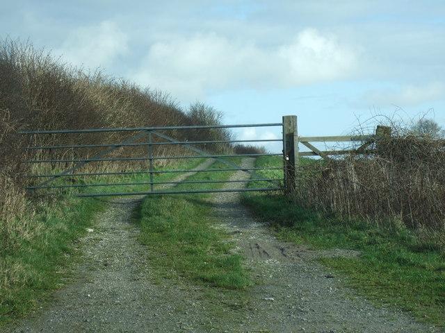 Field gate on public footpath on South Field Hill