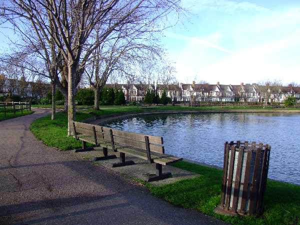 Southchurch Park lake