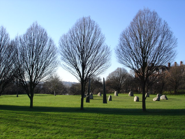 Millennium Stone Circle, Hilly Fields