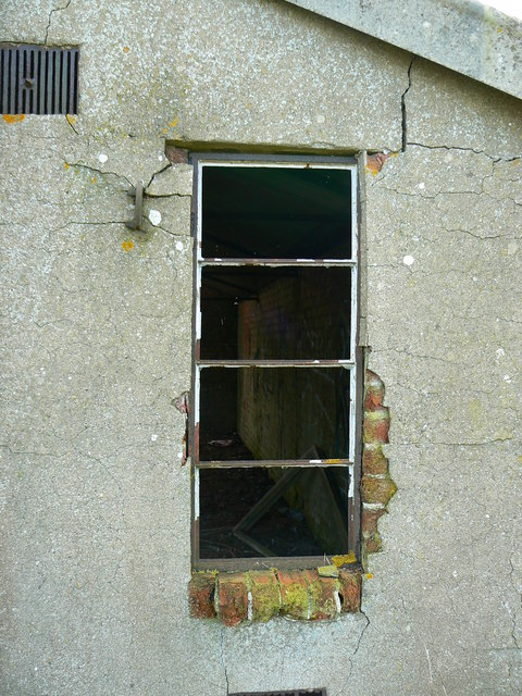 Derelict building, Broadwell airfield, Shilton, Burford