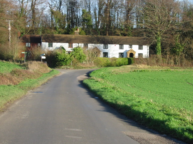 Cottages at junction of Snakes Hill and Wingham Well Lane