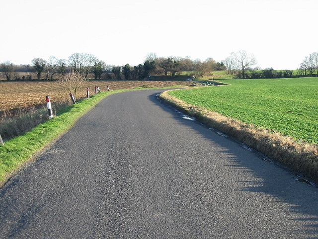 Looking SE along Goodnestone Road toward Claypits.
