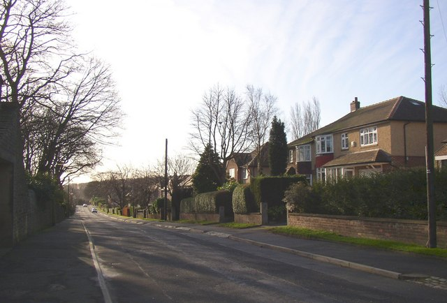 Broomfield Road, Fixby, looking southwards