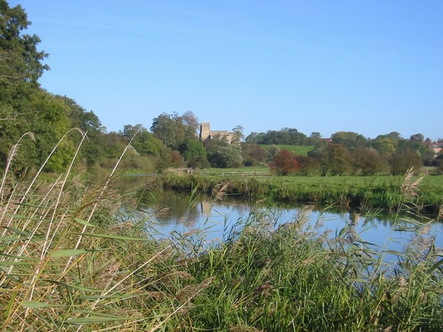 River Nene sweeps round a bend
