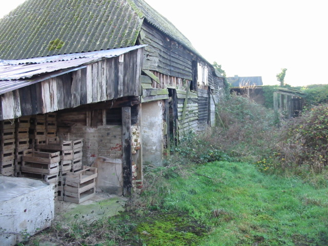Dilapidated farm buildings, Potts Farm