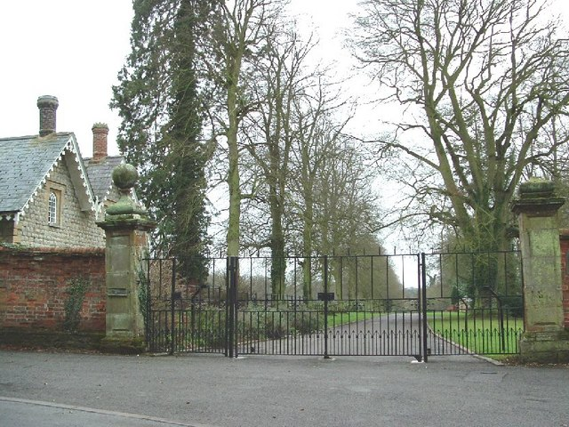 Entrance to Biddlesden House