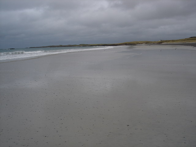 Sandy beach of Balephetrish Bay