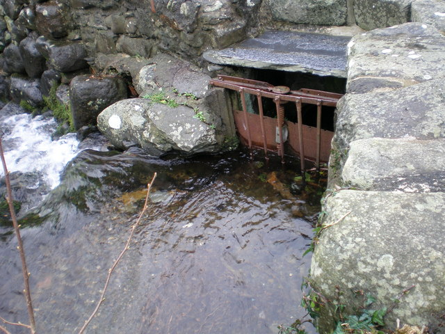 Sluice gate at Gwril weir.