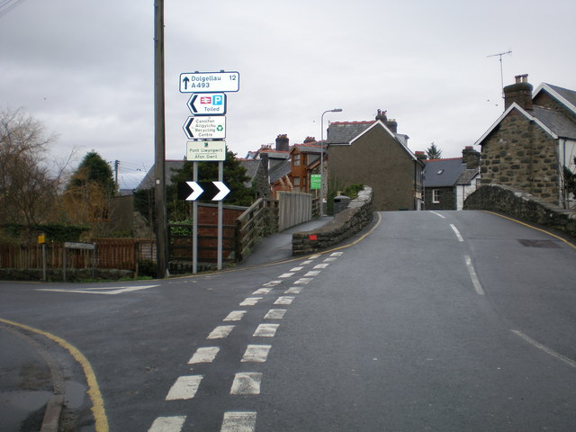 Gwril bridge and junction with Station Road.