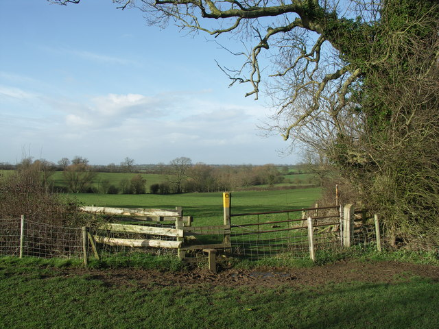 Footpath to open countryside