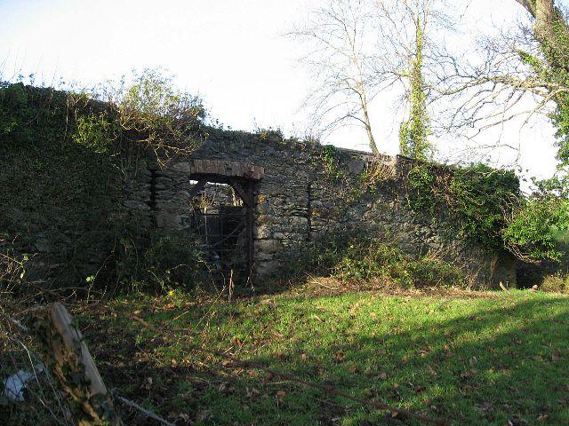 Ty Bach Garden Wall