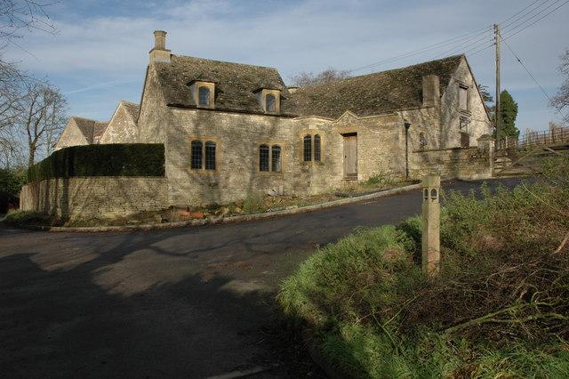 Cottages in Alderley