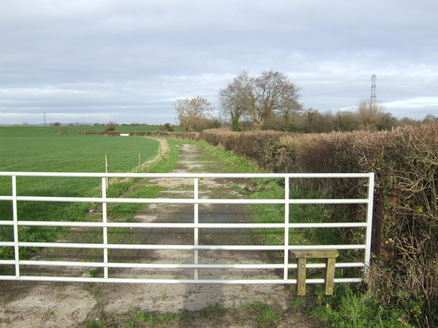 Footpath to Duckhole