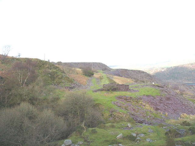 Looking north along the Twll Coch causeway