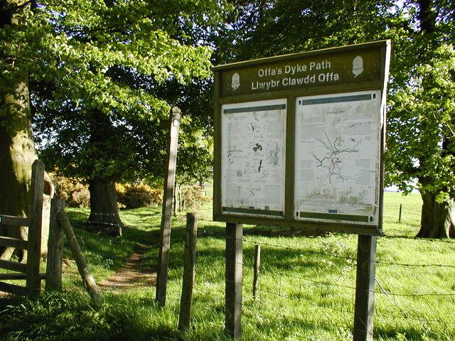 Offa's Dyke path near Rhos-y-meirch