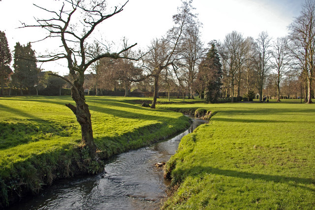 The Bourn flowing through Bournville Park