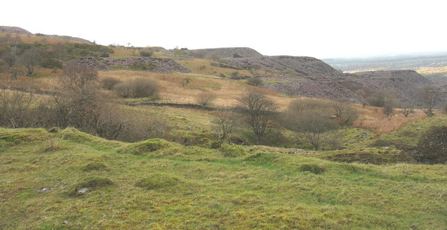 View across Caermeinciau Quarry to Twll Coch and the Cook&Ddol Quarries