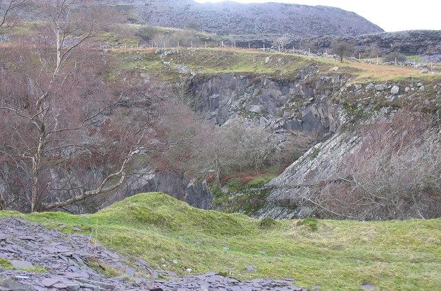 The eastern wall of Y Ddol pit.