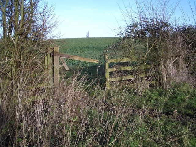 Broken Gateway on Bridleway NE of Farndish
