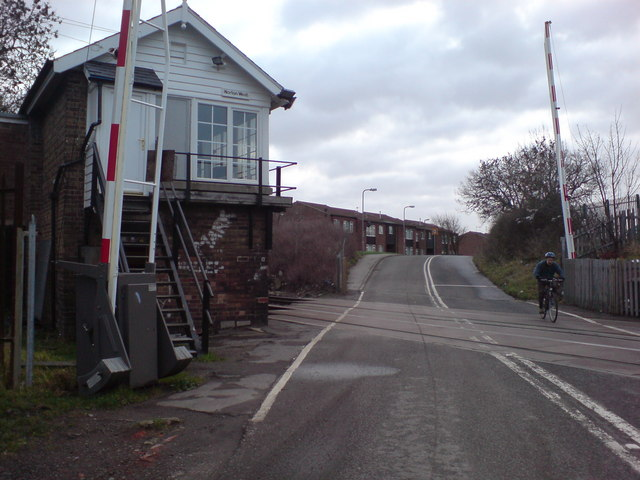 Norton West Level Crossing and Signal Box