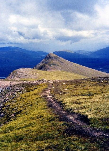 Trail to Sgurr an Tuill Bhain