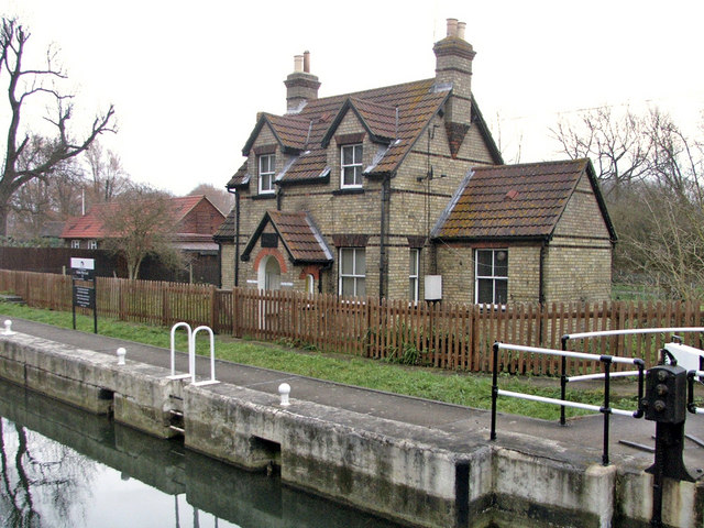 Lock Keeper's Cottage, Fielde's Weir Lock, looking north-east