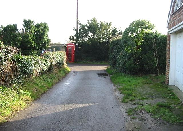 Phone box in Elmstone