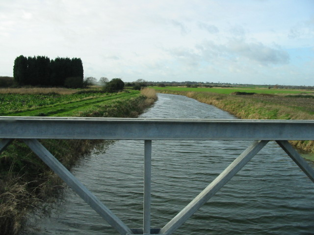Looking W from bridge over the Little Stour.