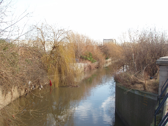 River Brent from Western Avenue