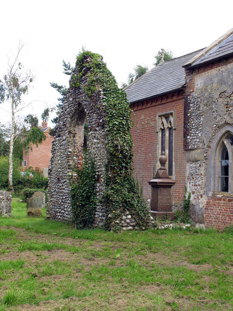 St Mary, Itteringham, Norfolk - Ruin