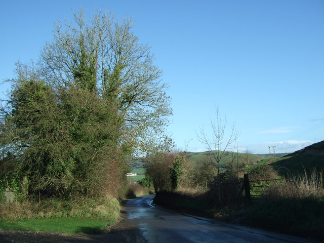 Road down into Cerne Abbas from Sydling