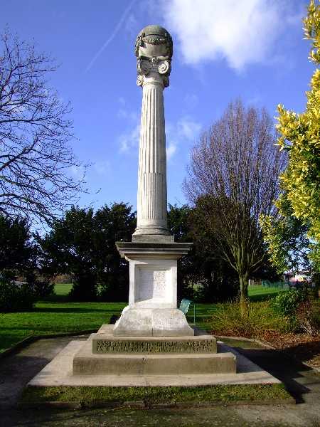 Hadleigh War Memorial