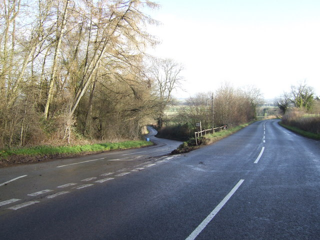 Fork in the road on Batchy Hill