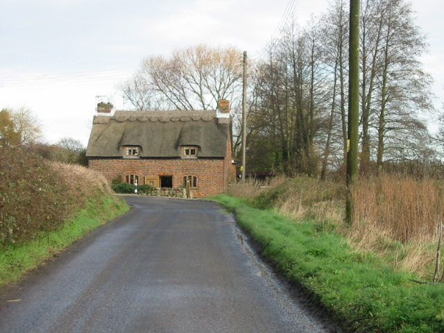 Thatched cottage on the corner of MIll Lane.
