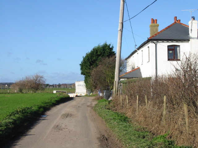 Cottages on lane from Britton Farm.