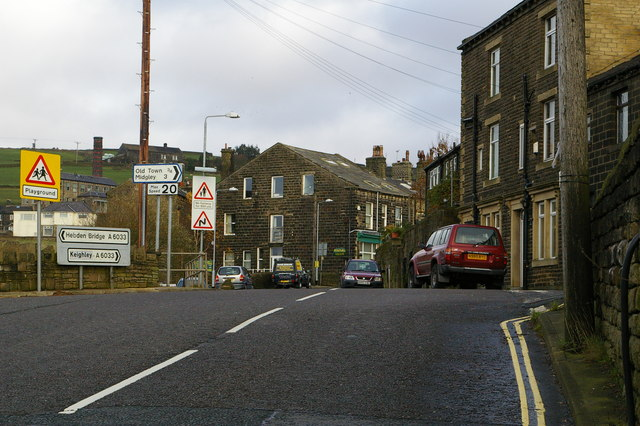 Keighley Road (A6033) at Pecket Bar, Pecket Well