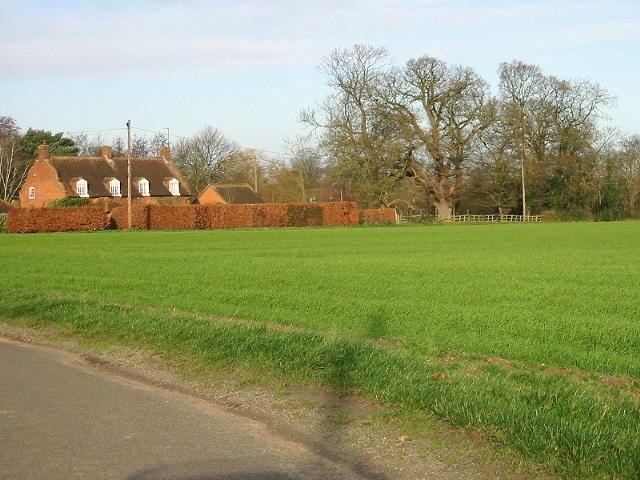 Farmland and houses, looking W towards Elmstone.