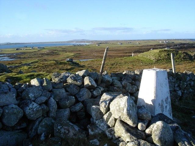 Triangulation pillar on Dùn Mòr a' Chaolais