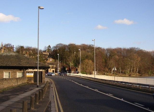 Barnsley Road at Newmillerdam, Crigglestone / Sandal