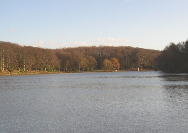 View of Newmillerdam lake from Barnsley Road, Crigglestone / Sandal