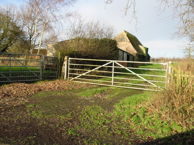 Gateway and Farm Buildings, Rusham Road